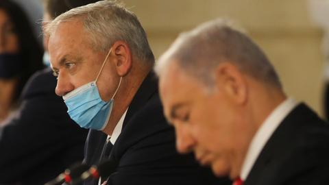 Is the Netanyahu-Gantz coalition on the brink of collapse?