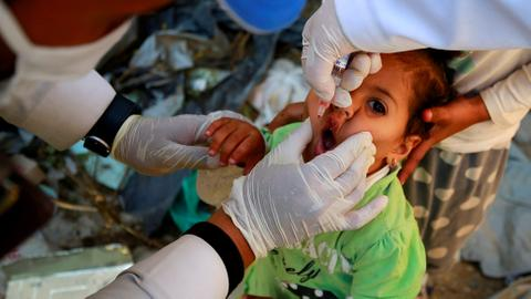 Yemen vaccinates children against polio to stop outbreak of crippling virus