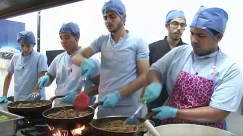 Egyptian doctors take their skills to the kitchen