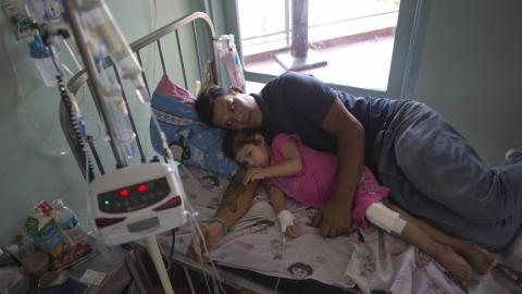 Families escape Venezuela as shortage of medicine reaches new highs
