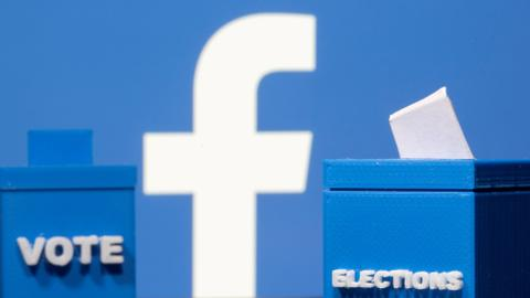 Facebook lifts ban on US political ads