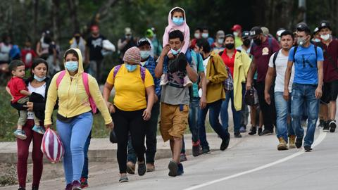 US-bound caravan grows as more migrants leave Honduras