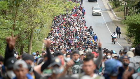 Honduran migrant caravan in Guatemala grows to 9,000 people