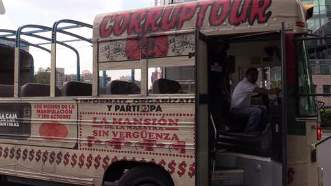 Innovative bus tour highlights corruption in Mexico