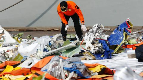 Indonesia probes whether faulty system contributed to Sriwijaya Air crash