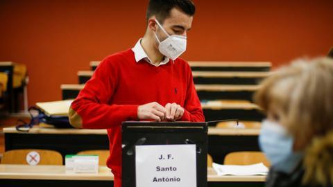 Portugal votes in presidential election amid severe pandemic surge