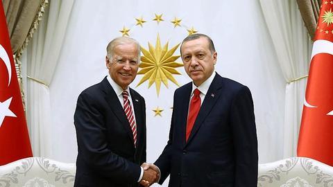 Ex-diplomat: US should seek Turkey's help against Daesh in Syria