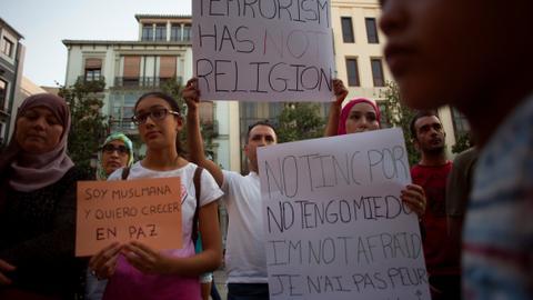 Muslims in Spain rally against terrorism, Islamophobic hate crimes