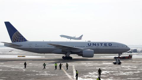 Boeing calls for grounding of some 777s after United engine failure