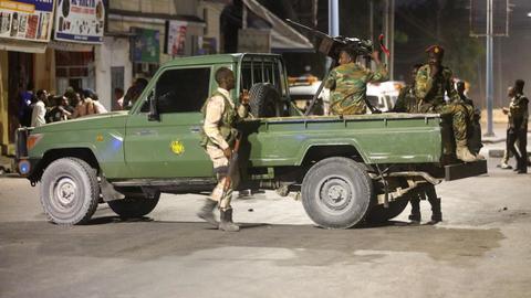 Suicide bomber targets mall in Somalia's Mogadishu
