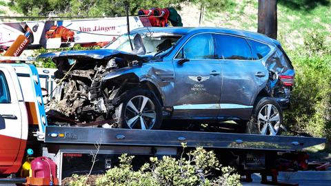 Tiger Woods suffers serious injuries in Los Angeles car crash
