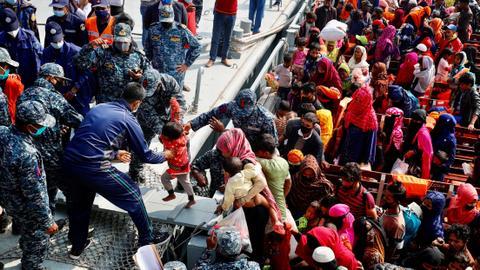 Bangladesh expresses unwillingness to accept stranded Rohingya refugees