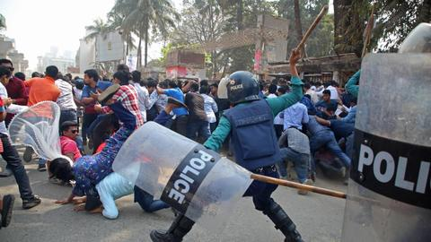 Bangladesh police fire rubber bullets, tear gas to disperse fresh protests