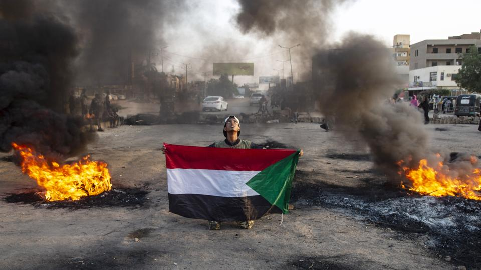 Demonstrations continued despite Sudanese security forces arresting several protesters and tearing down makeshift barricades.