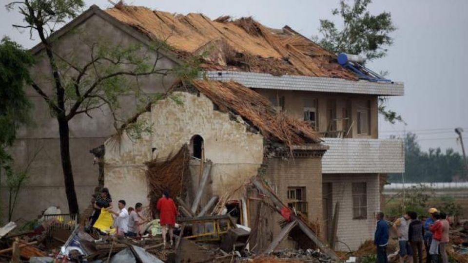 Extreme weather, tornado kill almost 100 in China