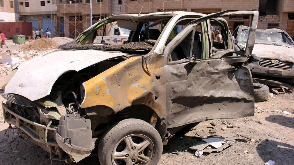Suicide bombers hit a security post in Yemen's government bastion of Aden on Tuesday, killing at least 6 and wounding several people, witnesses and police sources said.