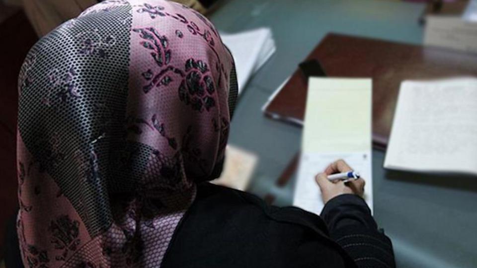 Мусульманку, адвоката-стажера попросили из зала суда в Италии из-за платка