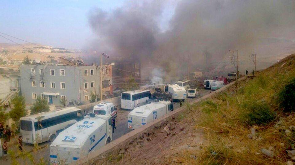 Blast hit police headquarters in Cizre, Şırnak, Aug 26, 2016.