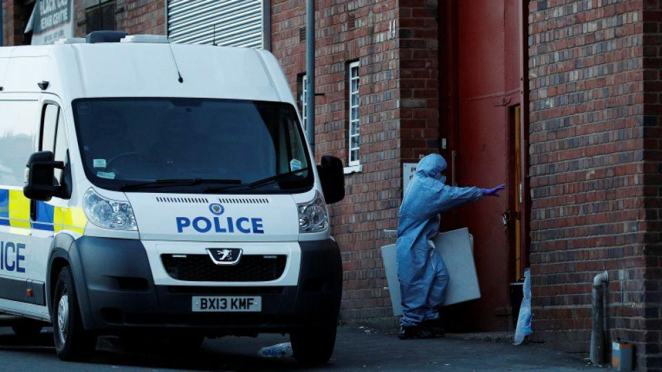 The bomb disposal team work at the scene of an anti-terrorism operation in the Lee Bank area of Birmingham, Britain on August 26, 2016.