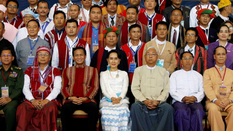 State Counsellor Aung San Suu Kyi (bottom row, centre) poses with ethnic leaders after the opening ceremony of the 21st Century Panglong Conference or the peace talks in Naypyitaw, Myanmar, August 31, 2016.