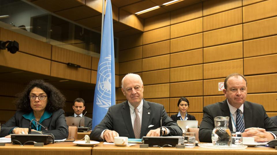 UN envoy Staffan de Mistura (C) looks on before the start of talks on Syria in Vienna on January 25, 2018