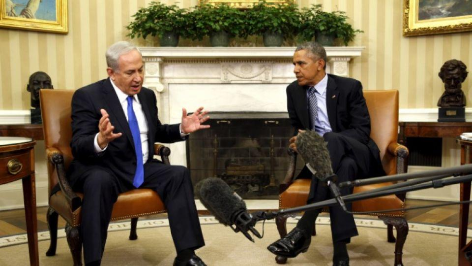US President Barack Obama meets with Israeli Prime Minister Benjamin Netanyahu in the Oval office of the White House in Washington November 9, 2015. REUTERS