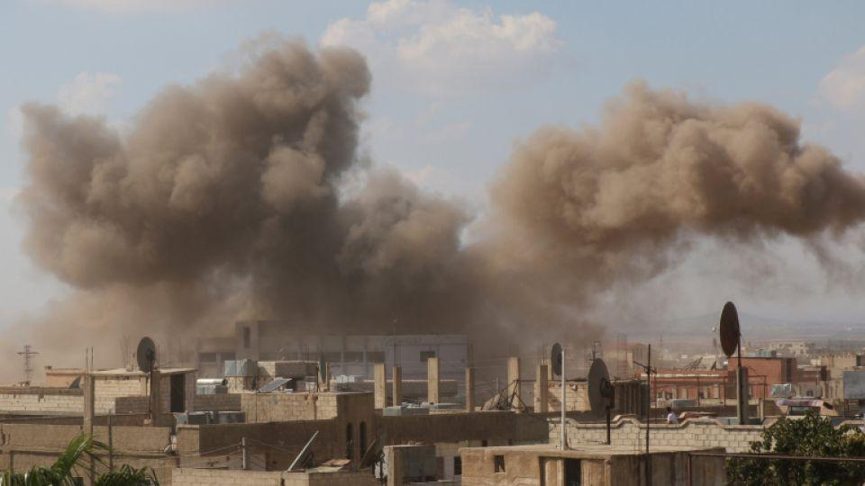 Smoke rises after an airstrike in the opposition-held town of Dael, in Deraa Governorate, Syria September 5, 2016.