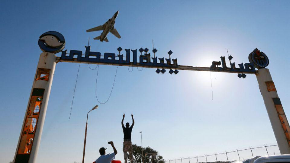 Eastern Libyan forces regain control over oil ports