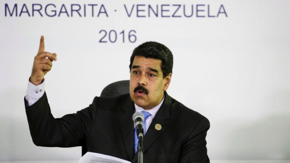 Venezuela's President Nicolas Maduro talks to the media during a news conference after the 17th Non-Aligned Summit in Porlamar, Venezuela, September 18, 2016.