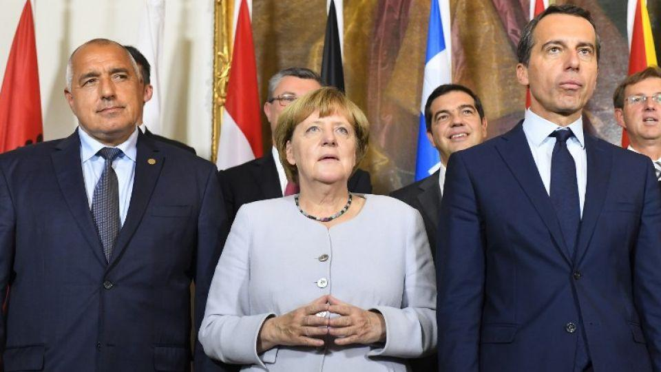 Left to Right: Bulgarian Prime Minister Boyko Borissov, German chancellor Angela Merkel and Austrian chancellor Christian Kern pose for a photo after a meeting on the Balkan migrant route into the EU in Vienna on September 24, 2016.