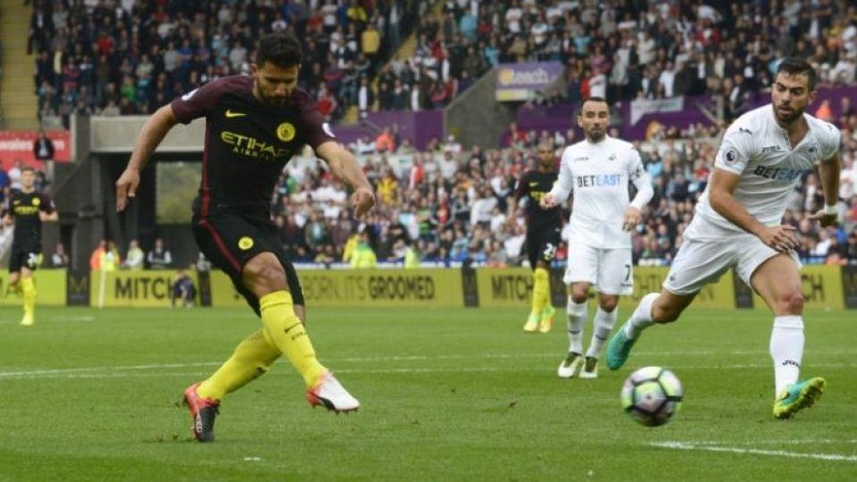 Manchester City's Sergio Aguero scored twice as his team beat Swansea on Saturday's EPL fixture.