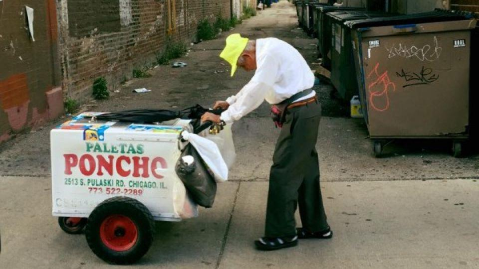 The viral image of 89-year-old Fidencio Sanchez pushing an ice cream cart caused thousands of people from around the world to donate towards his retirement.