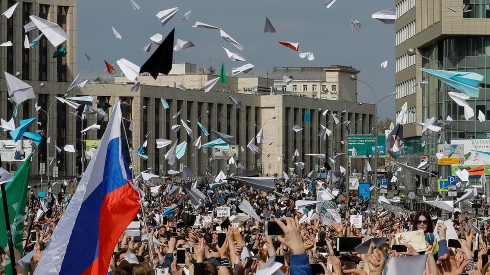 People release paper planes, symbol of the Telegram messenger, during a rally in protest against court decision to block the messenger because it violated Russian regulations. April 30, 2018.