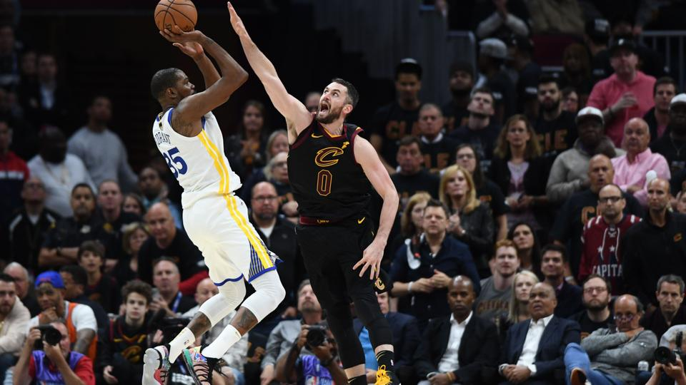 6e7dadb6d38a Golden State Warriors forward Kevin Durant (35) shoots over Cleveland  Cavaliers centre Kevin Love