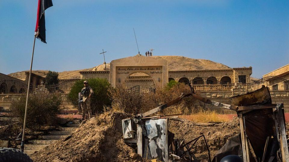 Daesh militants left the village of Karemlash with little resistance, and attempted to burn houses while fleeing.
