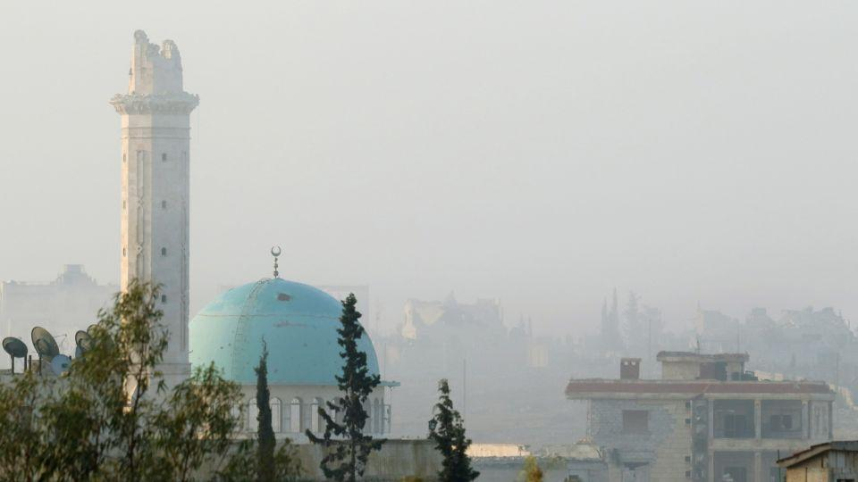 Amid the intense fighting for Aleppo, both the opposition and regime report chemical gas attacks around the city.