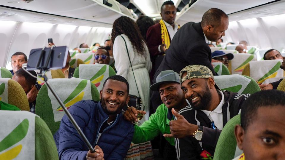 First commercial flight in 20 years leaves Ethiopia for Eritrea