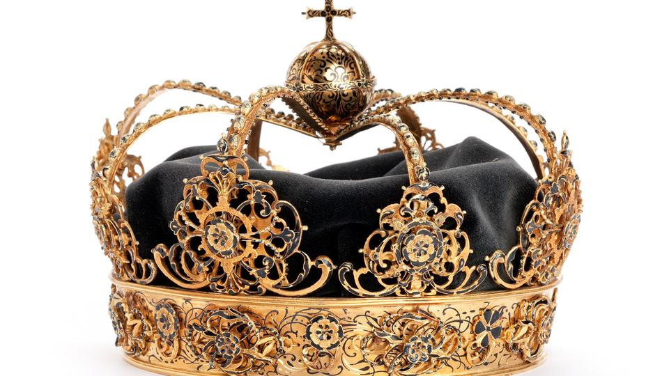 The Swedish Royal Family's crown jewels from the 17th century are seen in this undated handout photo obtained on August 1.