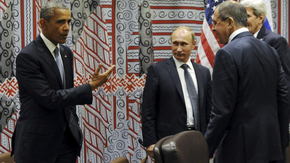 Russia's President Vladimir Putin, Foreign Minister Sergei Lavrov, U.S. President Barack Obama and U.S. Secretary of State John Kerry attend a meeting on the sidelines of the United Nations General Assembly in New York, September 28, 2015.