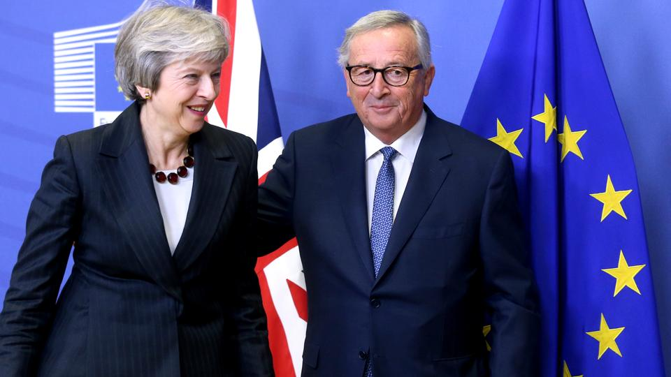 British Prime Minister Theresa May (L) and European Commission President Jean-Claude Juncker discussed draft agreements on Brexit, at the EC headquarters in Brussels on Wednesday, November 21, 2018.
