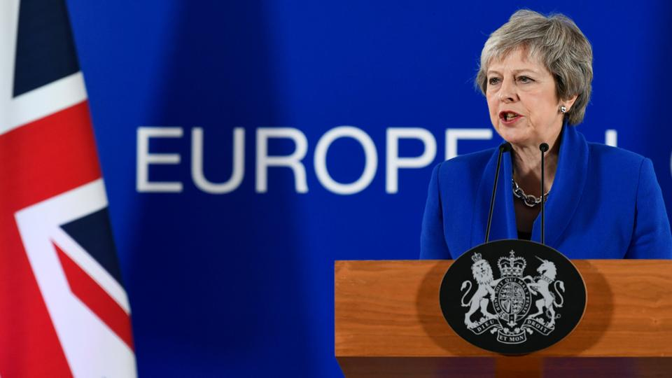 Britain's Prime Minister Theresa May attends a news conference after an extraordinary EU leaders summit to finalise and formalise the Brexit agreement in Brussels, Belgium  on November 25, 2018.