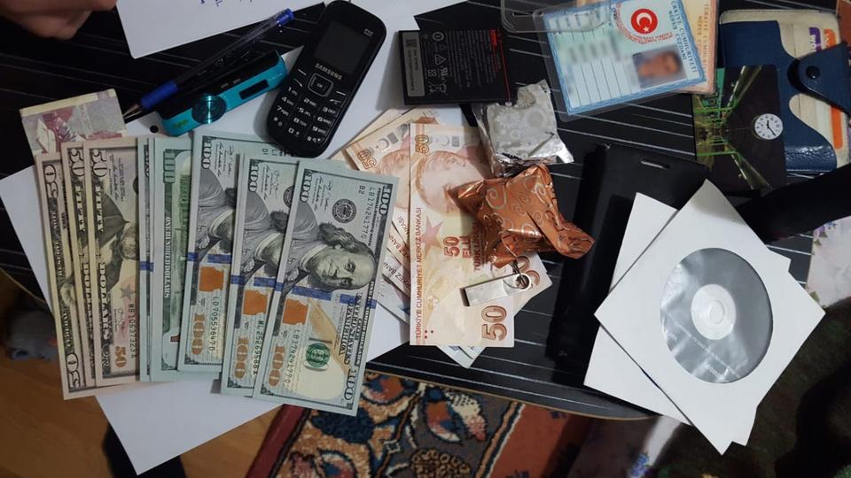 The suspects were caught in Fetullah Terrorist Organization (FETO) safehouses in the western province of Bursa, said the sources.