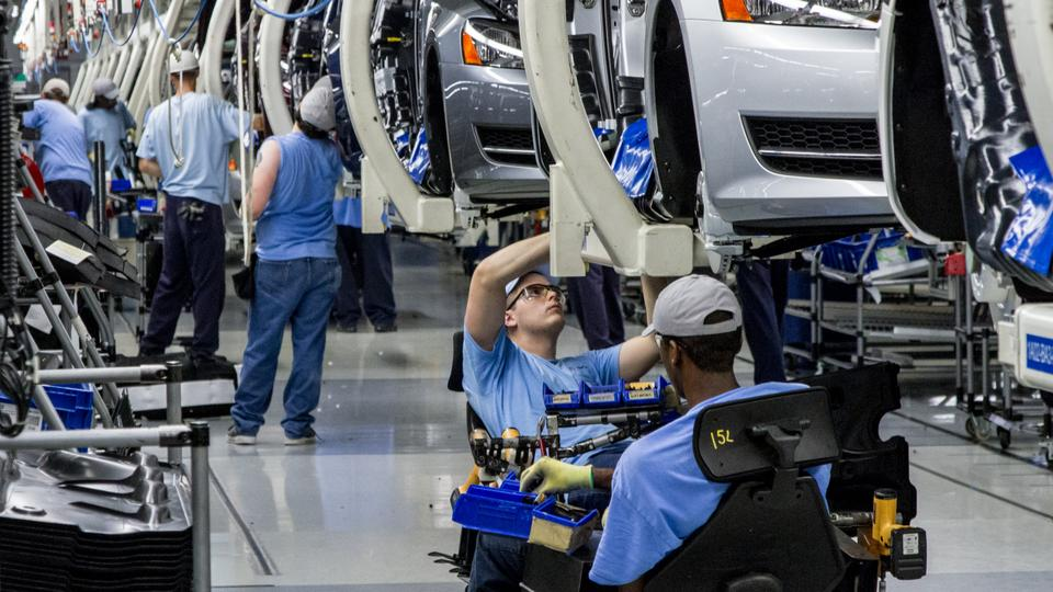 Volkswagen Chattanooga Jobs >> Vw To Cut Up To 7 000 Jobs To Reach 6 6b Annual Savings Goal