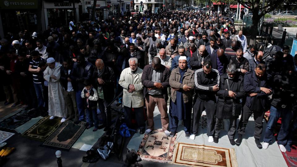 Image result for trappes paris islamisation