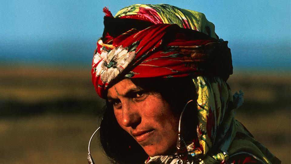 Berber woman wearing ethnic jewelry, Kairouan, Kairouan governorate (Al Qayrawan), Tunisia.