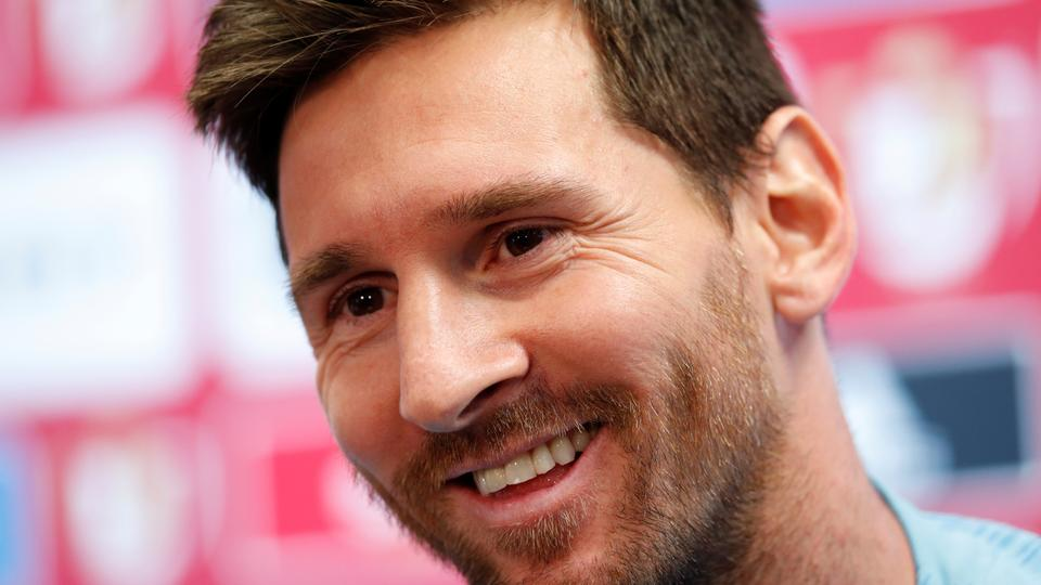 Messi wins FIFA's top player award for third straight year