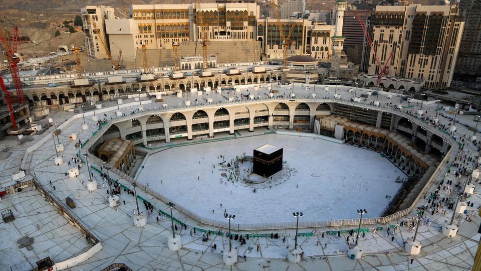 Saudi Arabia Reopens Mecca Medina Holy Sites After Coronavirus Closure