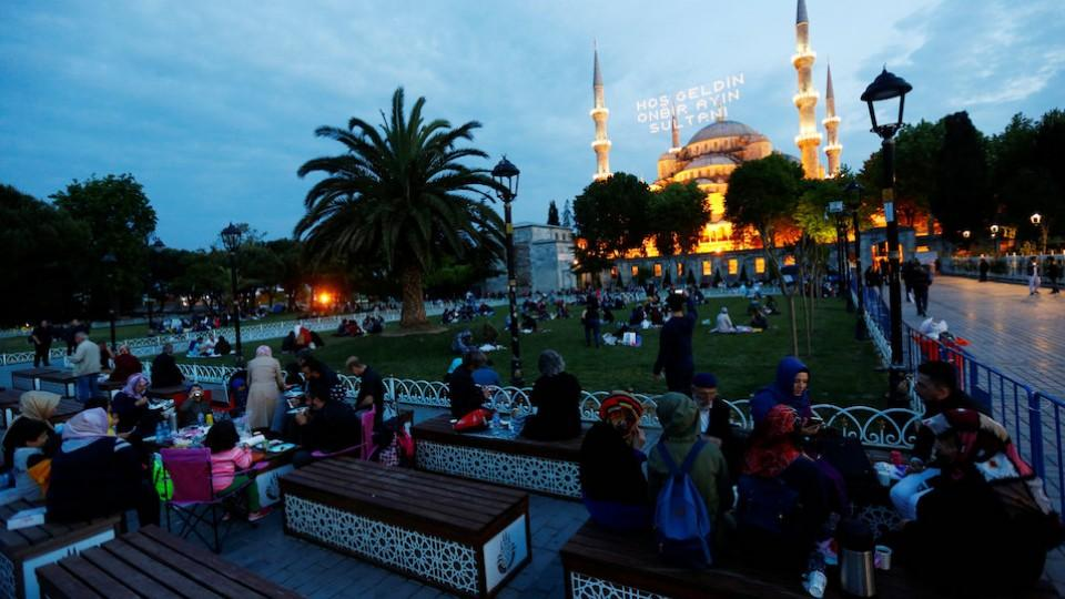 something magical how ramadan in istanbul feels for expats