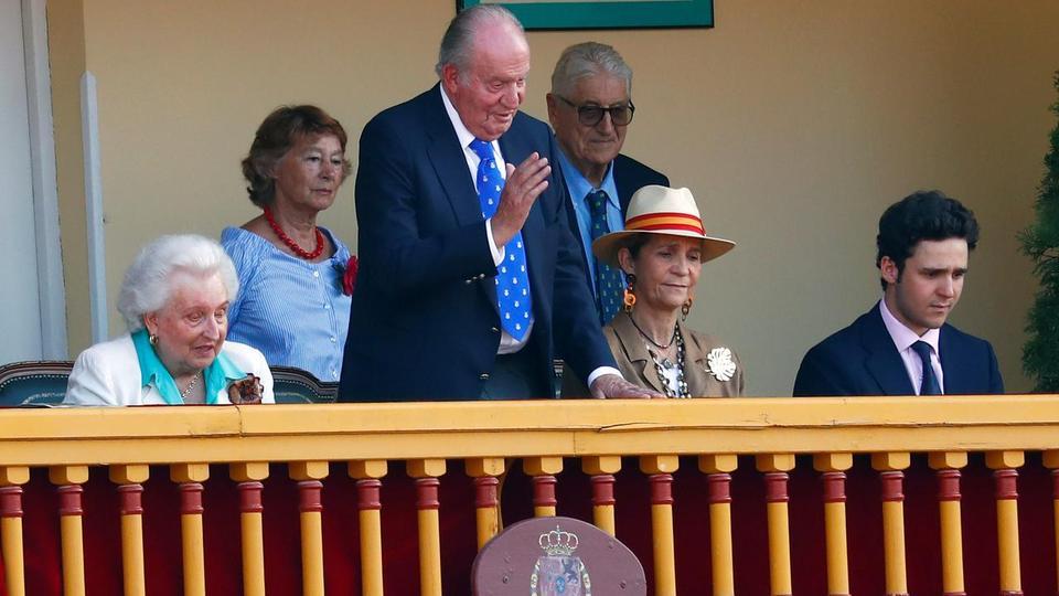 Eski İspanyol Kralı Juan Carlos, 2 Haziran 2019'da Aranjuez, İspanya'daki boğa güreşine katılıyor