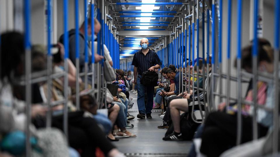 3 Ağustos 2020'de Rusya'da bir Moskova metro treni.